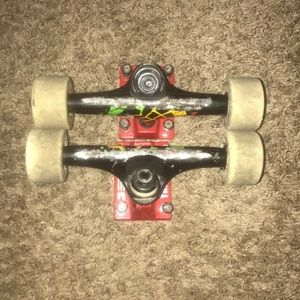 Other - Skateboard trucks